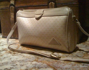 Holiday Savings Vintage 80s Liz Claiborne Cream Leather Cross Body Shoulder Bag