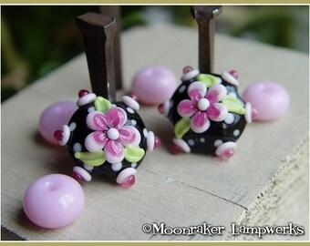 Tuxedo Floral Bloom lentil  - Lampwork Bead