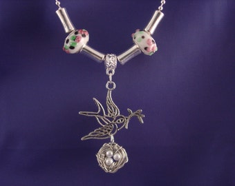 Beautiful Raised Glass Lampwork Wire Wrapped Bird Nest Necklace