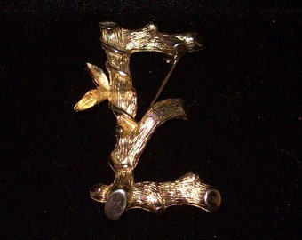 Sarah Coventry Brooch - Gold Toned Letter E - Sarah's ABCs - 1960s