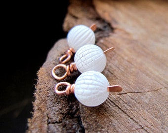 Vintage White Bead Dangles - Copper Wire Wrapped Cracked Balls for Earrings making - Trio Charms / Dangles / Charms / White Beads