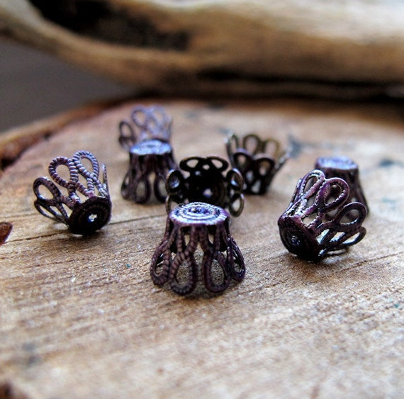 Tiny Filigree Bead Caps. Mini Enamel Jewelry Findings. Purple Mini Flowers Bead Caps. Antique brass Caps. Small caps. Artisan Bead Caps