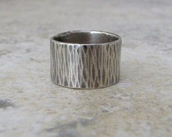 Mens Wedding Band Hammered Silver Ring Wide Rustic Wedding Rings Woodgrain Bark Ring Unique Wedding Bands Thumb Rings First Finger Ring