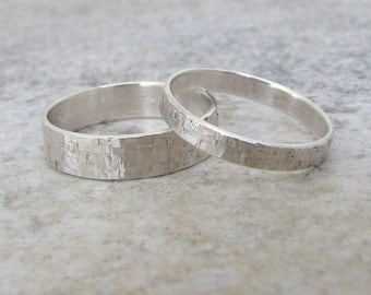 Silver Wedding Band Set Hammered Silver Wedding Rings Rustic Wedding Bands Silver Wedding Ring Set Unique Wedding Rings for Him and Her