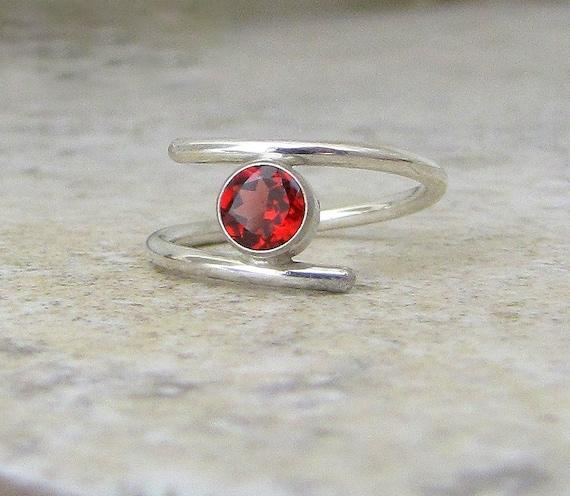 Red Garnet Ring Silver Garnet Ring Alternative Engagement Ring January Birthstone Ring Mother's Ring Garnet Solitaire Ring Gift for Her, Mom