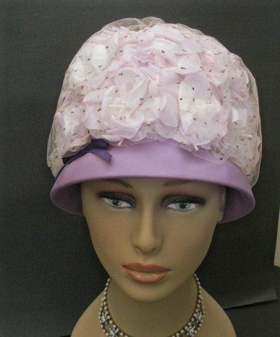 Vintage 1960s Lavender White Bubble Hat - Flowers with Glitter Netting