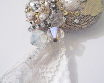 SALE!! embroidered brooch