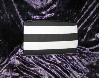 Black and White Striped Magnetic Purse Cover