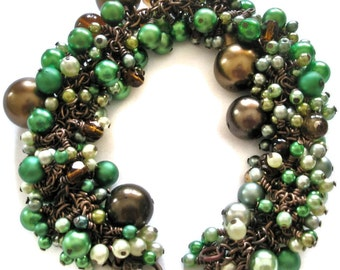 Bracelet pearls Mint Green and Chocolate Brown chunky cluster