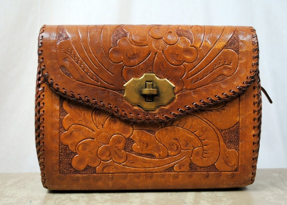 Vintage 1960s Floral Tooled Leather Purse