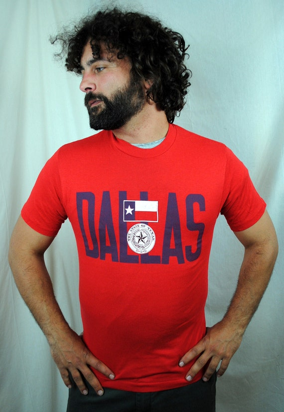 DEAL of the DAY ................. Vintage 80s Dallas Texas Tee Shirt