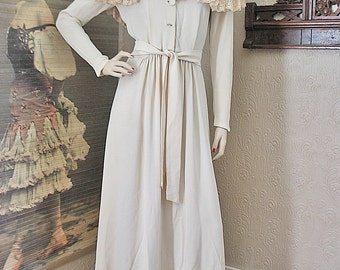 Reserved Vintage 30's 40's long dress gown ivory crepe lace yoke self fabric matching belt by Peer
