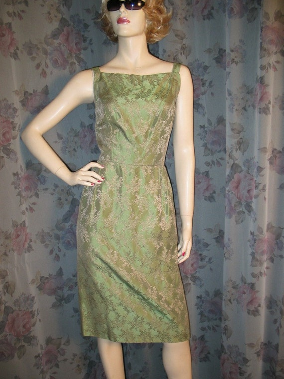 SALE Vintage 50's 60's curve hugging wiggle dress lovely
