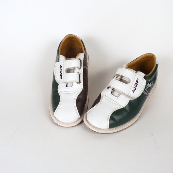 Vintage Bowling Shoes - AMF Women's or Child's Brown White and Green  Leather Upper and Sole Velcro 4.5/6   40