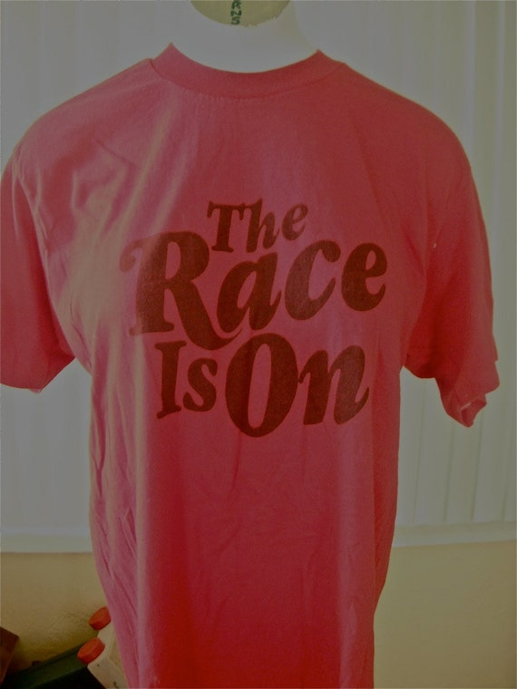 Vintage tee - The Race is On 10k - size M