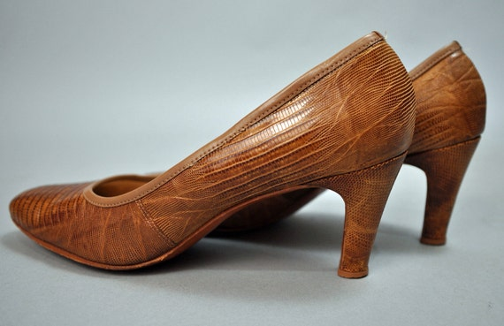 50s vintage leather shoes / DeLISO LIZARD leather pumps heels shoes Size 7.5 AA