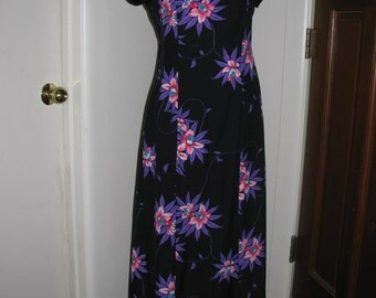 Vintage Maxi Hawaiian Dress - Size 12 med/Large - Beach Party Luau Black with Pink and Purple Tropical Flower Print