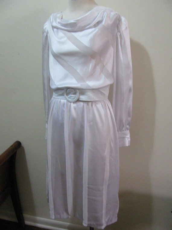 Vintage WEDDING WHITE Semi Sheer Silky Scoop Neck Collar Dress Medium Size 7 8