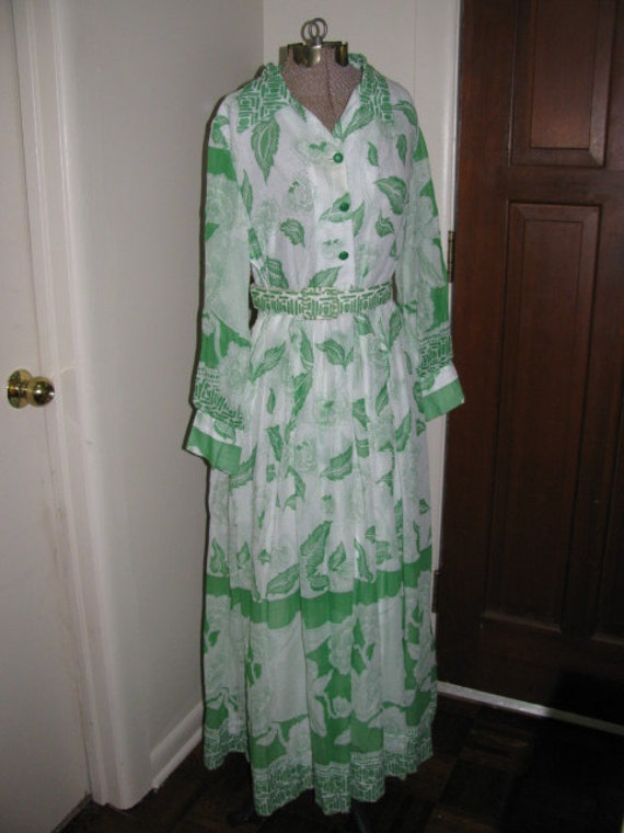 vintage 70s Maxi Shirtdress Dress Green and White Floral