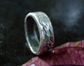 Womens textured silver wedding ring: Stone Stone