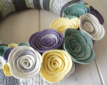 Yarn Wreath Felt Handmade Door Decoration - Cool Grey 12in