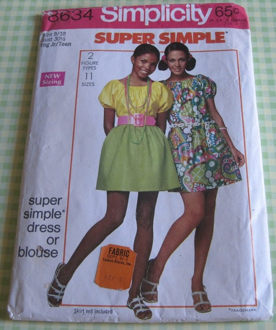 Vintage Simplicity Printed Sewing Pattern 8634..Young Jr/Teen size 9/10..bust 30 1/2..Super Simple Dress or Blouse..dated 1969