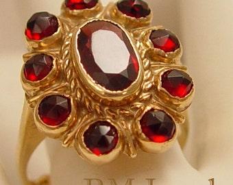 Vintage Rose Cut Garnet 14Kt Gold Estate Ring