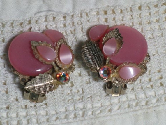 1950s Pink Moonglow Floral Thermoset Earrings (E-1-2)