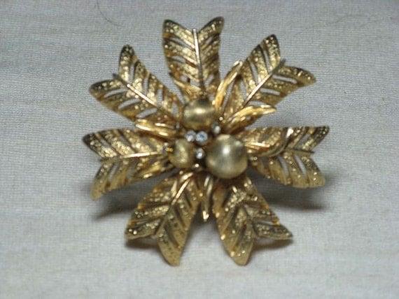 CLEARANCE SALE - Vintage Corocraft Gold Tone Rhinestone Wreath Brooch Pin  (B-2-2)