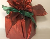 Reusable Gift Wrap - Red with Green Lame - Furoshiki-Style Round - Eco-Friendly