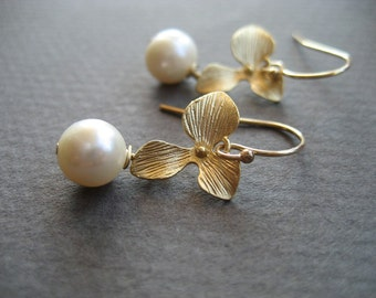 Ivory Pearl Earrings, Gold Filled Ear Wires, Orchid Connectors, Pearl Jewelry Bridal Earrings, Bridesmaids Flower Earrings, Gifts For Women
