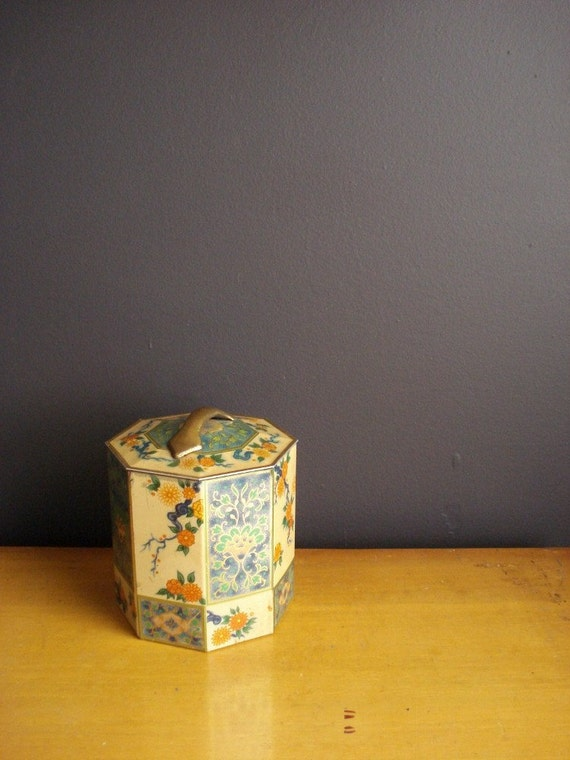 Vintage Flower and Tree Octagon Tea Tin II - Made in England