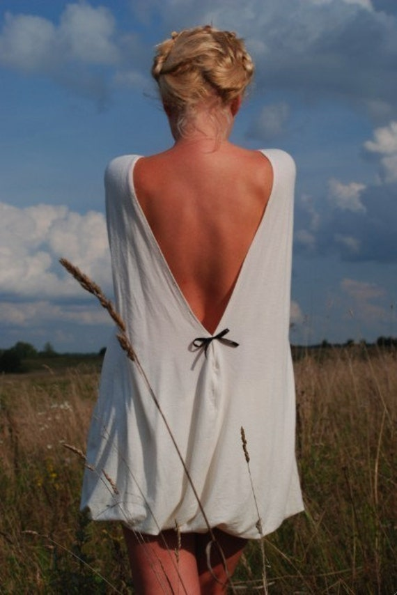 R E A D Y to ship Small size Creamy open-back cotton Milk and honey Muse dress with little black bow on the back