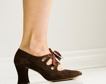 Chocolate Brown 1920's Suede Lace Up Pumps -Sz 6.5