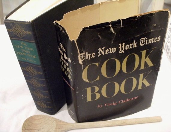 vintage The New York Times Cook Book by Craig Claiborne, 1961 HC DJ book. Classic. Timeless recipes.