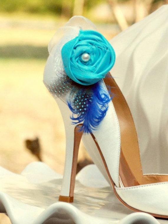 Wedding Shoe Clips Turquoise Royal Blue & Guinea Feathers. Aquamarine Aqua Pantone Couture. Ivory / White Pearl. Bride Bridal Bridesmaid Pin