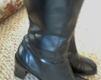 FREE SHIPPING Vintage 1990s Donald Pilner Black Leather Boots Size 8