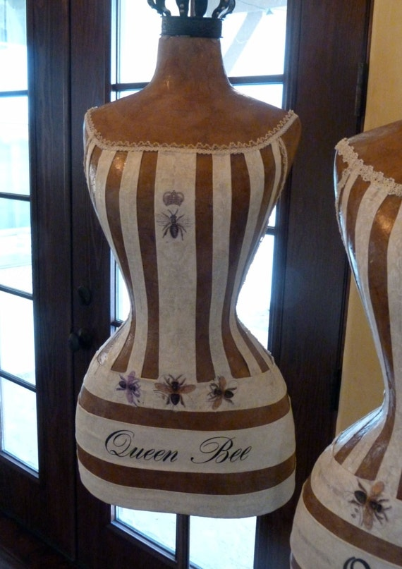 Vintage Inspired Dress Form Mannequin Quuen Bee Crown Off-White Dress  FREE SHIPPING