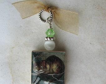 Vintage Alice in Wonderland Cheshire Cat Charm Pendant