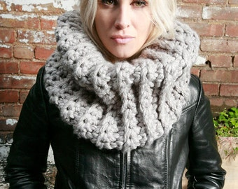 Loie's Chunky Cowl in Light Grey