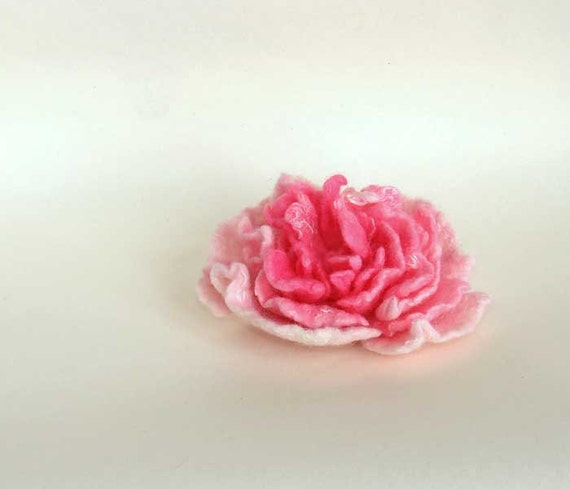 Sale. Felted pin pink peony flower from Merino Wool, perfect gift, tender for baby hat and children women spring accessories