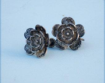 Sale /// Vintage Silver Filigree Rose Earrings