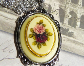 CLEARANCE  Antique Cabochon West Germany - Necklace    V 208