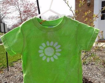 Green Daisy Shirt (18 months), Green Flower Shirt, Flower Girls Shirt, Toddler Girls Shirt, Green Girls Shirt, Lime Green Shirt SALE