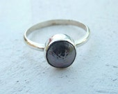 simple pearl ring - peacock pearl ring - sterling  silver - bezel set - gray gemstone ring - handmade jewelry