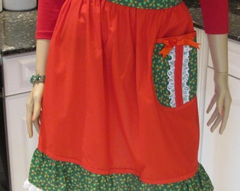 HALF APRON, HOLIDAY Print,red and green holly print accents with lace trim,one pocket