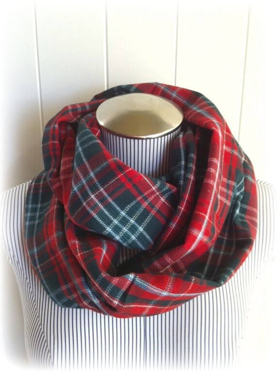 Christmas Infinity Scarf Provincial Plaid New By