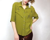 S A L E Apple Green Embroidered Tassel Blouse (S)