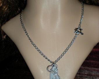 STEAMPUNK/victorian/DARK NOIR/gothic/alice in wonderland keyhole lock and key necklace