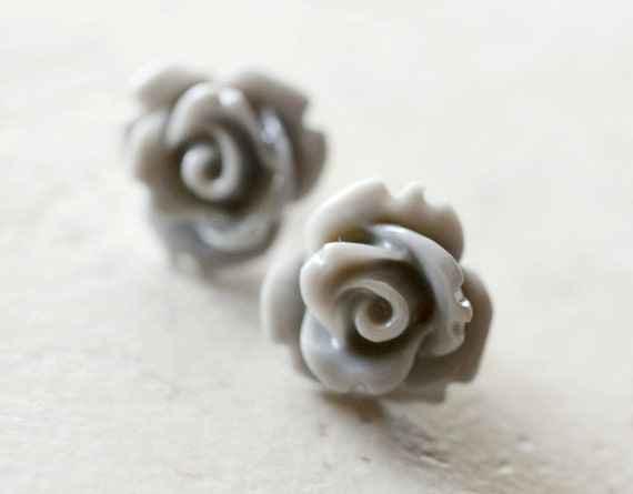 Gray Rose Earrings, Neutral Grey Earrings, Retro Jewelry, Cottage Chic Jewelry, Vintage Style Jewelry, Simple Flower Posts, The Rosie Medium